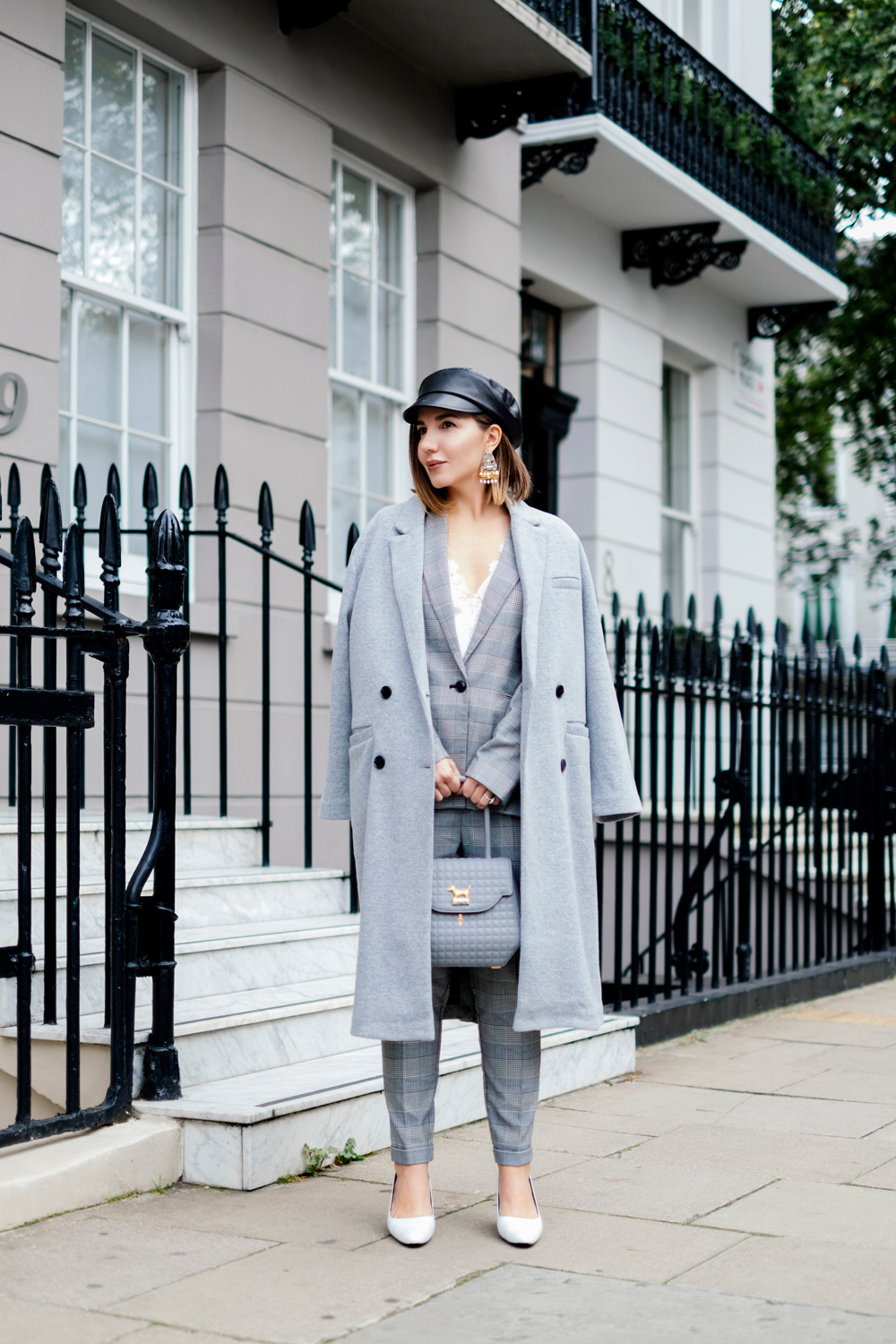 7 More Minutes. Fashion, travel and lifestyle blog by Alyona Gasimova. A Portrait In Grey. How To Wear All Grey Without Looking Boring. www.7moreminutes.com